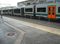 Bilde av togstasjon med ledelinje