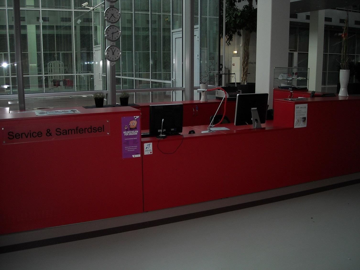 Bilde av nedsenket skranke på Stavanger Stasjon
